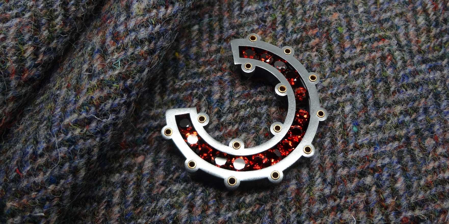 Wesley-Zwiep---Open-Circle-Kilt-Pin---Garnet---Wesley-Zwiep-Jewellery-Glasgow